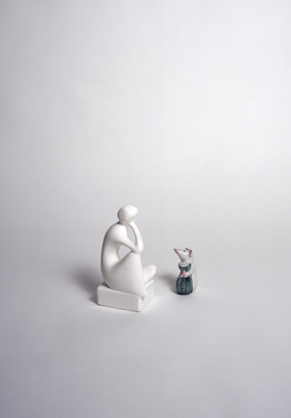 Dialogue with white sculpture 02