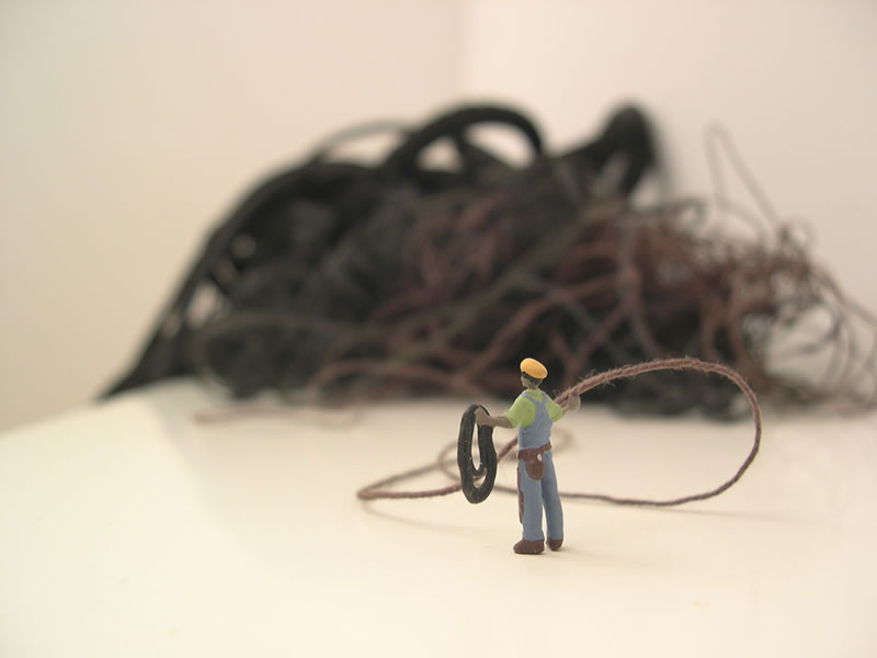 Forced labor %28rope%29 06 %28detail%29