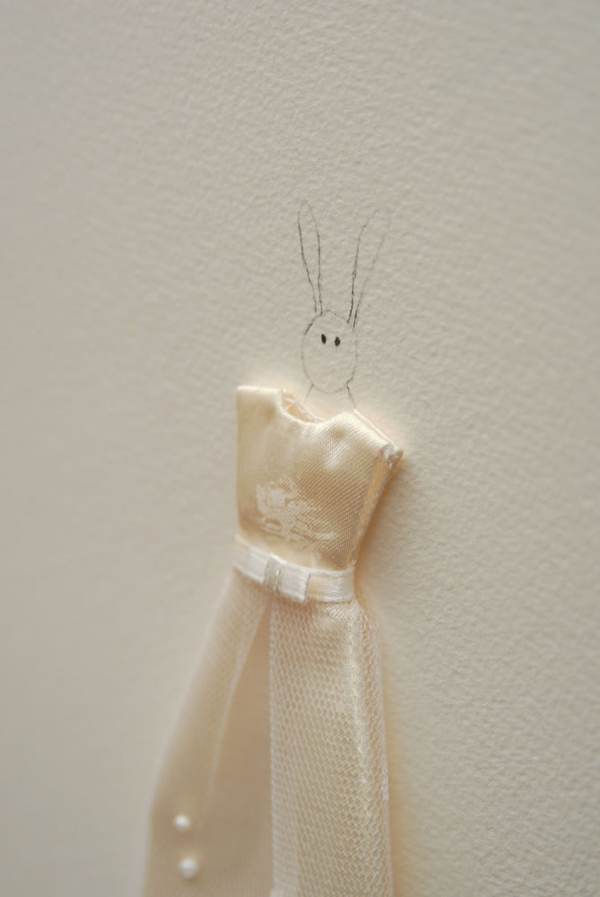 Rabbit with white dress %28detail%29